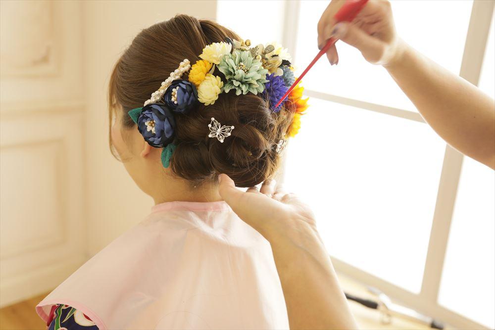 大人気の振袖選びの際のヘアスタイル体験